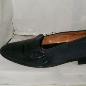 HERE YOU HAVE A MEN'S BLUE GENUINE LIZARD LEATHER/